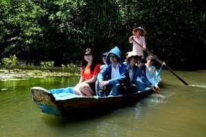 Thư giãn giữa không gian xanh mát ở khu sinh thái Vàm Sát (Ngoisao.net)